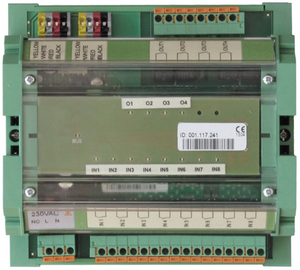 Field device with 8 potential free digital inputs and 4 digital relay outputs